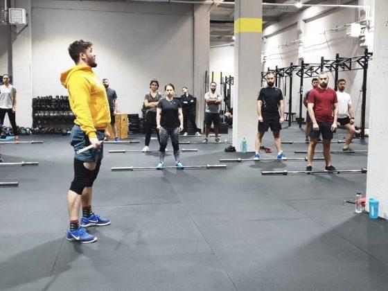 Antrenament de CrossFit cu miscari din haltere - indreptari - la Uzina CrossFit Columna