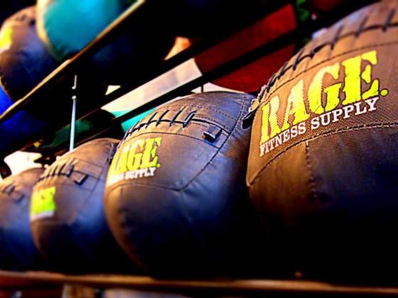 Echipament CrossFit: mingi medicinale de la 3kg la 10 kg