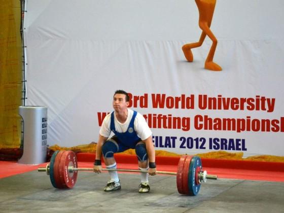 Razvan Dobre - Antrenor CrossFit si Haltere la Uzina